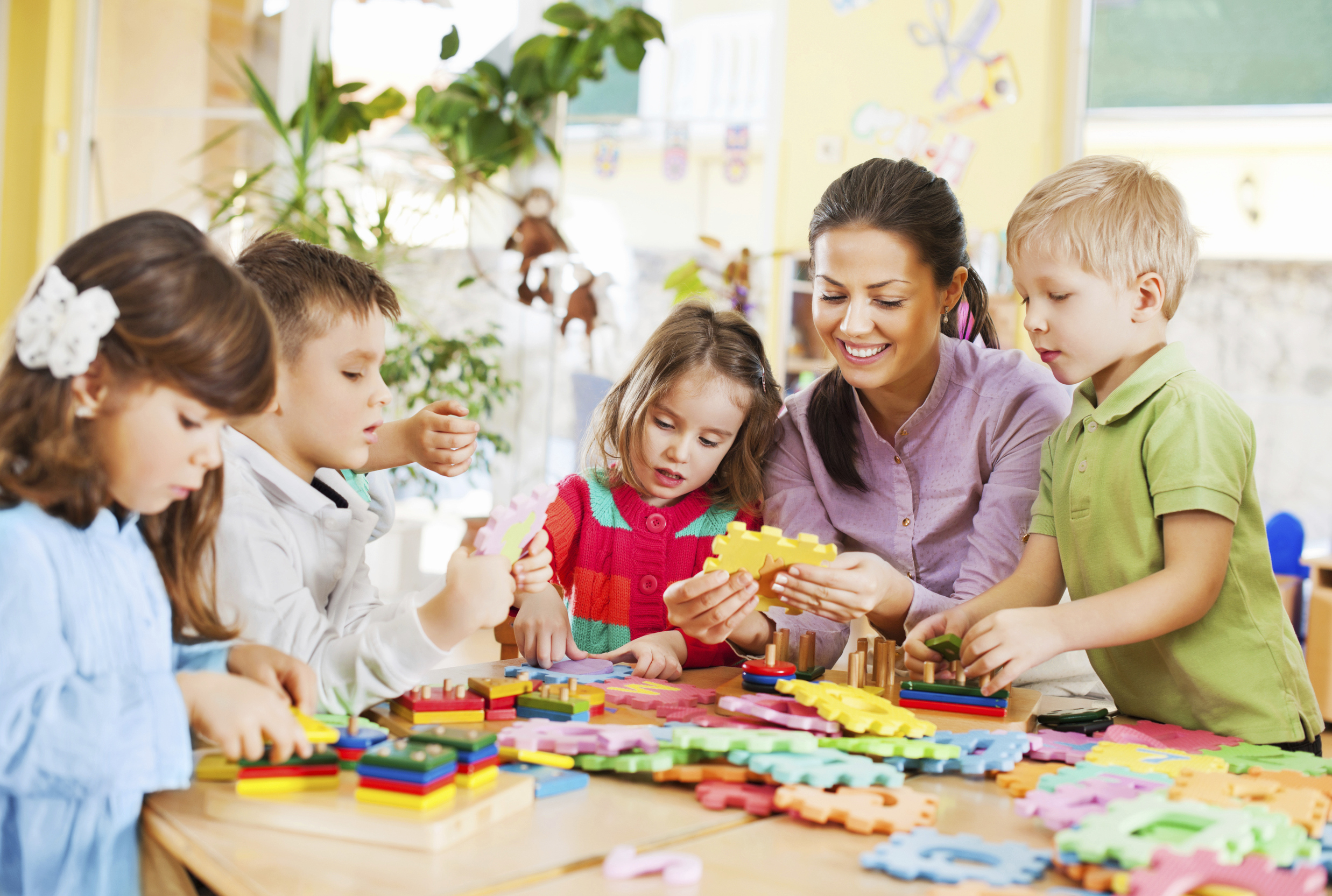 Advantages of children doing arts arts and crafts stores for Family arts and crafts